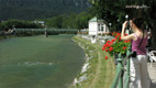 River Traun's shore: Sophiens Esplanade - Screenshot HD-Video Bad Ischl